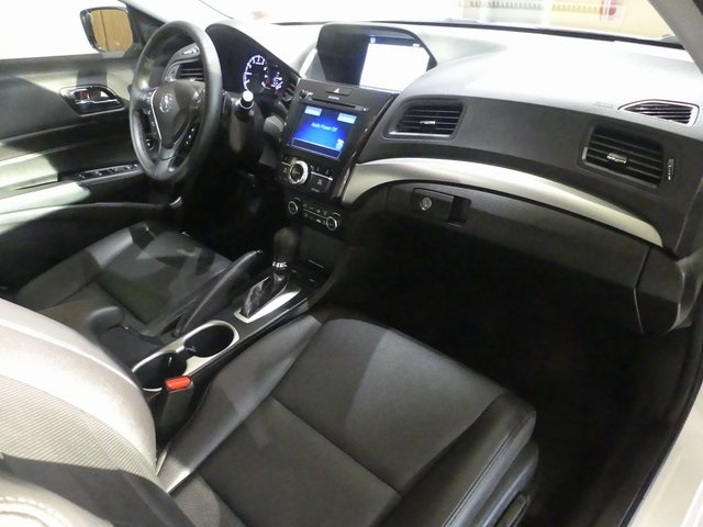 Pre-Owned 2017 Acura ILX Technology Plus
